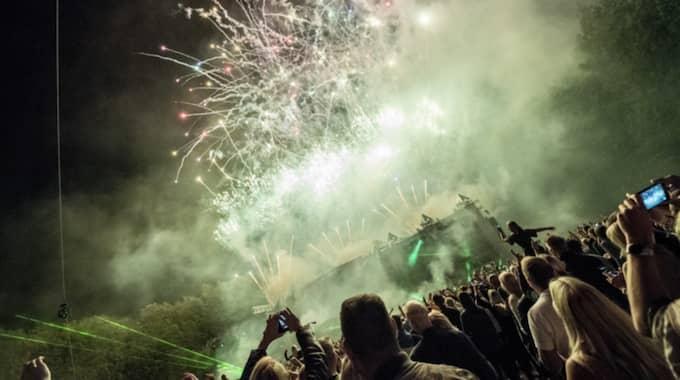 15 000 människor dansade till Aviciis sista Sverigespelning i Malmö. Foto: Pelle T Nilsson