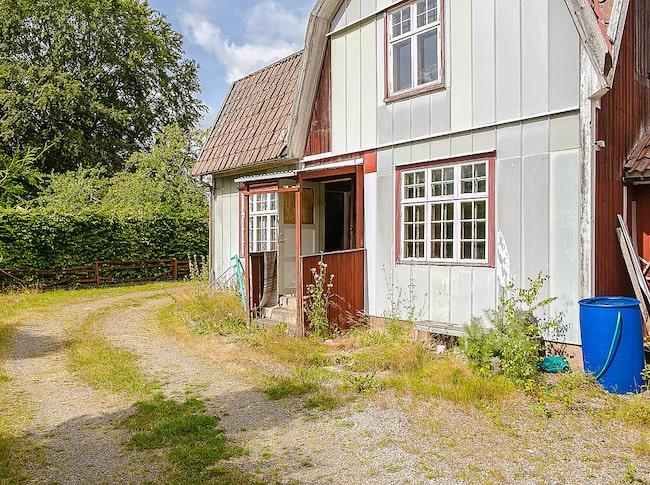 För bara 395 000 kronor kan den här villan i Nossebro bli din.