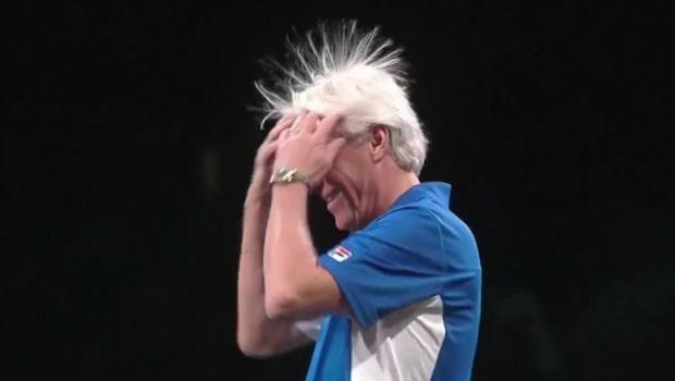 Här blir Björn Borg utskrattad av McEnroe