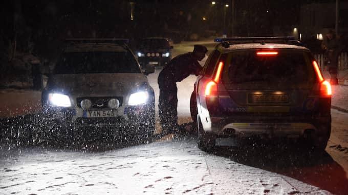 Fordonet tillhör en chef vid Uppsalapolisen och stod parkerad i närheten av hans bostad. Foto: Lars Schröder/Tt