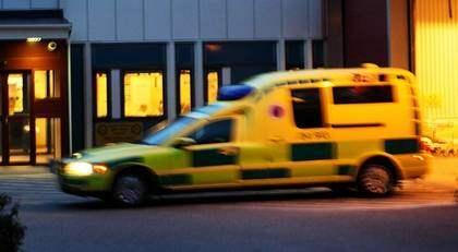 JOBBADE SOM VANLIGT. Hans dotter var influensasjuk och själv mådde ambulansföraren inte riktigt bra men gick till jobbet ändå. Han hann köra tre patienter innan han skickades hem. Foto: Per Karlsson