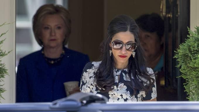 Den skandalomsusade politikern är gift med Hillary Clintons rådgivare Huma Abedin. Foto: J. SCOTT APPLEWHITE
