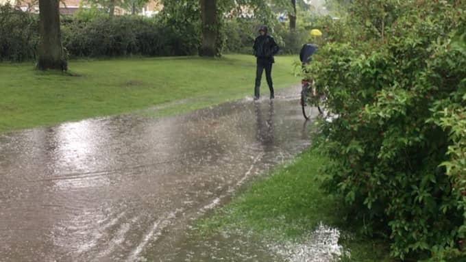 Regn och hagel har gjort så att flera Foto: Läsarbild