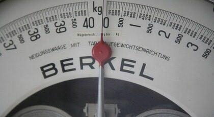 Att tappa några kilo efter 60 kan vara bra för hälsan på flera sätt.