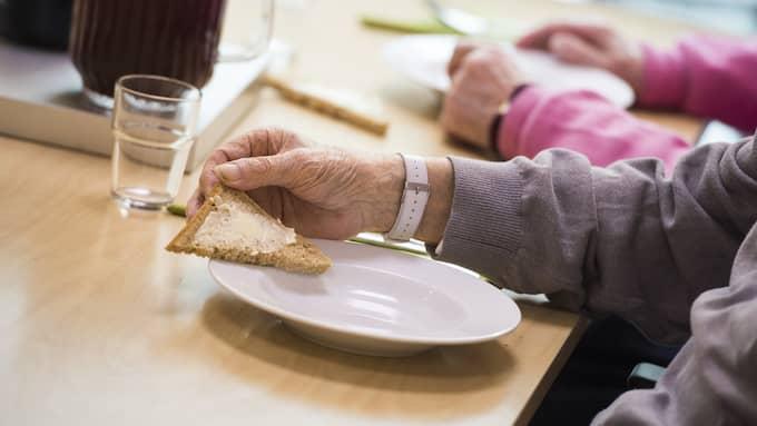 """I det tidigare pensionssystemet räknade man på pensionen utifrån de 15 bästa arbetsåren, men sedan slutet av 90-talet har vi ett helt annat system. """"Det gjorde inget att vara hemma med barnen i slutet på 60-talet. Men så ändrades det plötsligt. Det blir en himla skillnad"""", säger Christina Rogestam på SPF seniorerna. Foto: Pontus Lundahl/TT NYHETSBYRÅN"""