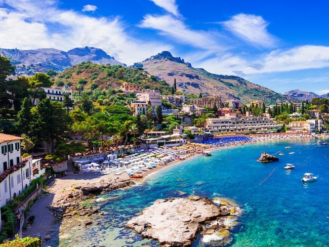 På italienska ön Sicilien kan du just nu fynda ett hus till ett riktigt vrakpris – tio kronor!