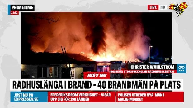 Radhuslänga brinner i Upplands Väsby