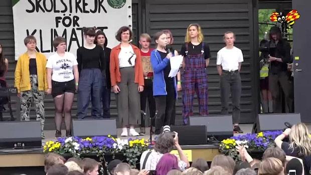 """Greta Thunberg: """"Vi måste offra vår utbildning"""""""