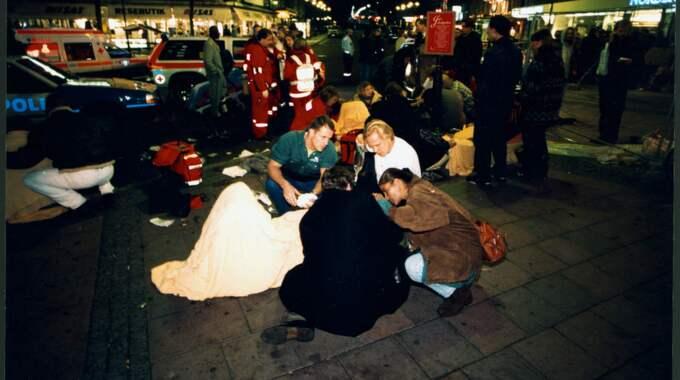 Ett bråk med krogvakterna slutade med en hämnd där 21 personer skadades och fyra miste livet den fruktansvärda kvällen på Sturecompagniet i Stockholm den 4 december 1994. Foto: Ulf Berglund / EXP
