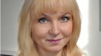 – Det är vidrigt och vi tar avstånd från det här, säger skolans rektor Maija Möller Grimakova, till Dagens Nyheter.