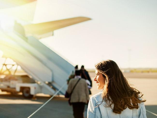 """Vill du slippa stå i den långa kön för att få boarda flygplanet kan du välja att """"fast track"""" eller priority boarding."""