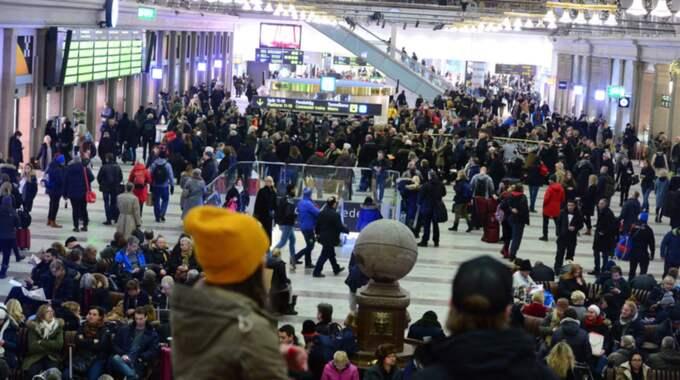 Enligt tågpassagerare som anlände till Stockholm central var det kaos på grund av alla följdförseningar. Foto: Alex Ljungdahl