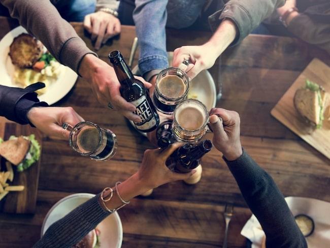 Populära ölsorter som ale, porter och veteöl är överjästa.