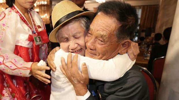 Äldre sydkoreaner återförenade med släktingar i  Nordkorea