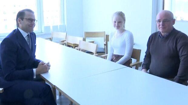 """Prins Daniel: """"Det är alltid starkt att träffa en ung person"""""""