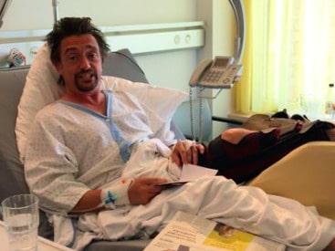 Richard Hammond i en videohälsning direkt från sjukhussängen.