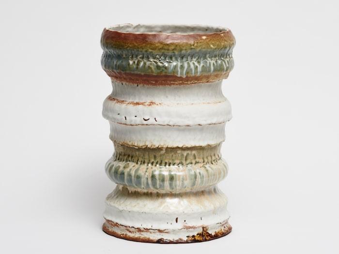 Keramikurna, av keramikern Katia Colt, Katia Colt Konsthantverk. Urnan är nominerad till Formex Formidable 2018.