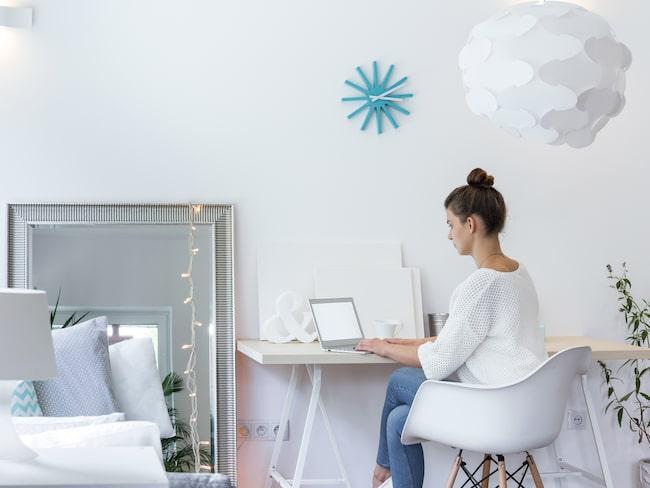Har du koll på otursprylarna och möblerna i ditt hem? Enligt feng shui kan de skapa både olycka och sjukdom.
