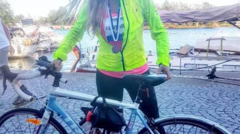 Fanny Ahlinder, 23, är en av de som cyklat i mål.