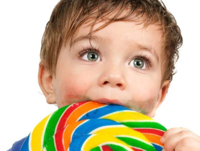 2. Barn blir hyperaktiva av socker