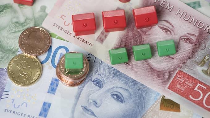 Nu sjunker priserna för både villor och bostadsrätter – och det är andra gången på fem år det har varit en prisnedgång i tre månader i rad för bostadsrätter, enligt Valueguard. Foto: Fredrik Sandberg/TT NYHETSBYRÅN