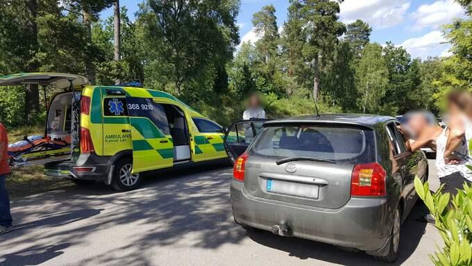 Två personer skadades under bråket, en av dessa fördes till akuten med stickskador. Foto: Göran Johansson