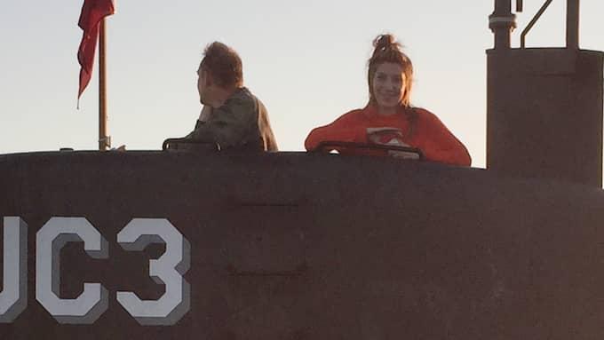 En leende Kim Wall fotograferad när ubåten lämnade Köpenhamn i torsdags. Foto: RITZAU FOTO