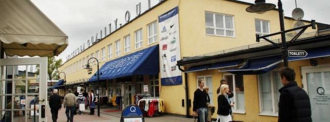 outlet söder om stockholm