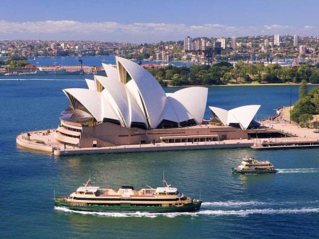 FLYG TILL AUSTRALIEN: 6,3 MILJONER KRONOR.<br>En  20 dagar lång resa som startar från en flygplats nära dig och avslutas i  Sydney i Australien. Stanna var du vill på vägen, till exempel vid  pyramiderna i Kairo och Taj Mahal i Indien. Du får ta med 30 vänner.  Returbiljett ingår inte.