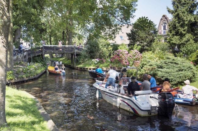 <span>Giethoorn är ett av Nederländernas större turistmål och tar årligen emot 200 000 turister bara från Kina.</span>