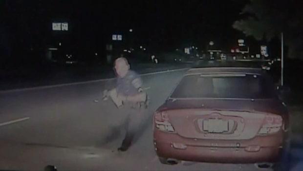 Nära ögat: Polisen bara millimeter från att bli påkörd