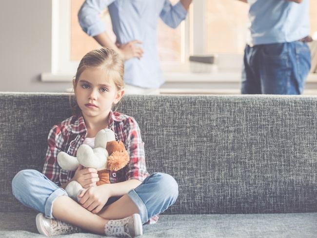 Tidigare har forskare trott att svaret ligger i uppväxten, att skilsmässobarn har lättare att se separation som en lösning på en dålig relation.