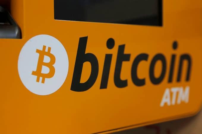 Bitcoins kraftiga fall under senare tid kan delvis förklaras med en oro över kryptovalutan i Asien Foto: KIN CHEUNG / AP TT NYHETSBYRÅN
