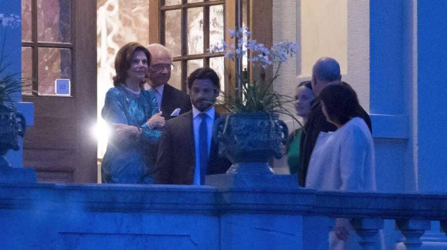 Sent i natt sa kungen och drottningen adjö till sina gäster. Foto: Roger Vikström