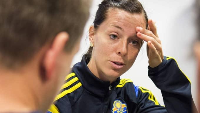 flickvän pratar med sitt ex Uppsala