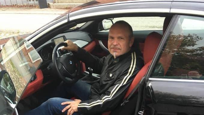 Körläraren Rolf Nilsson på Er trafikskola i Simrishamn blev irriterad på medtrafikanten som inte visade någon hänsyn. I ett hyllat inlägg på Facebook läxar han upp den andre bilisten. Och bjuder på lite trafikundervisning. Foto: INGELA NILSSON