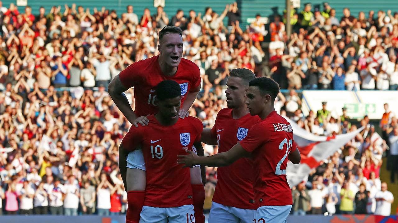 Englands forsta em trupp