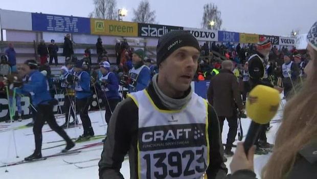 David Pettersson passade på att fria från spåret