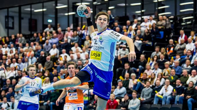 Ludvig Hallbäck, 17 år, fick priset som matchens lirare. Foto: CHRISTIAN ÖRNBERG / BILDBYRÅN