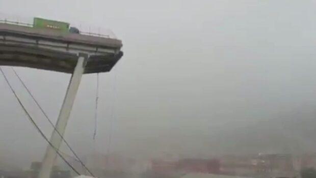 Motorvägsbro har rasat i Italien – flera döda