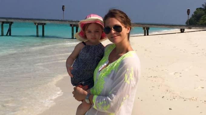 """""""Madde har hittat den perfekta semesterstilen som är både avslappnad och snygg"""", säger Expressens modeexpert Emma Danielsson. Foto: Privat"""