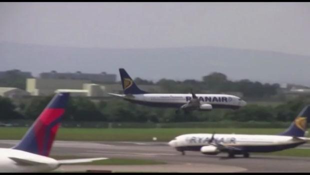 Kaoset: Ryanair ställer in hundratals flygavgångar