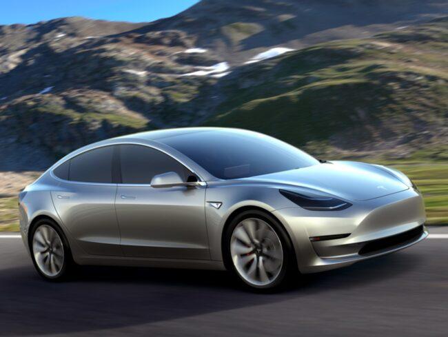 Tesla Model 3 ska bli billigare än tillverkarens tidigare bilar. Ett lägre pris anses vara nyckeln till att amerikanerna ska få upp ögonen för elbilar på riktigt.