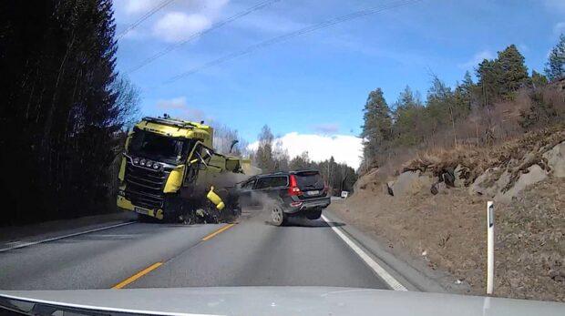 Se den våldsamma olyckan