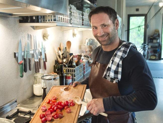 """Paolo Roberto har verkligen en passion för det italienska köket. """"Det är viktigt att mina barn får växa upp med bra mat och riktiga råvaror. Fast jag är inte helt besatt, mina barn äter flingor och godis som alla andra"""", säger han."""