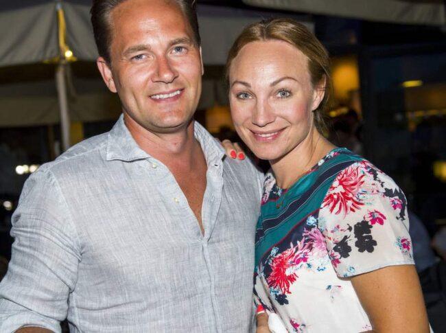 Här Är Charlotte tillsammans med sambon Anders Jensen, som hon har sonen Adrian med.