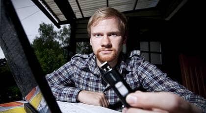 """Niclas Jornée hittade ett USB-minne med försvarshemligheter på gatan och lämnade in det. Nu vill försvaret ta hans dator. """"Om jag velat behålla informationen hade jag ju inte lämnat tillbaka USB-minnet"""", säger han. Foto: Jocke Berglund"""
