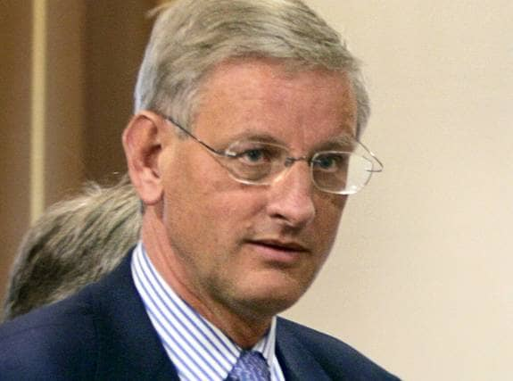 Helt rätt väg, Carl Bildt! Populistiska Israelvänner likt statsvetaren Ann-Sofie Dahl gå emot alliansen och världsamfundets vision om en statslösning. De blundar för de massiva övergreppen som Israel utför mot palestinska kvinnor, barn och män, skriver centerpartisten Bassem Nasr. Foto: Scanpix