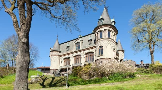 Den slottsliknande villan i Göteborg såldes för 47 miljoner kronor och var den näst dyraste under året. Foto: JÖRGEN HINDER AB