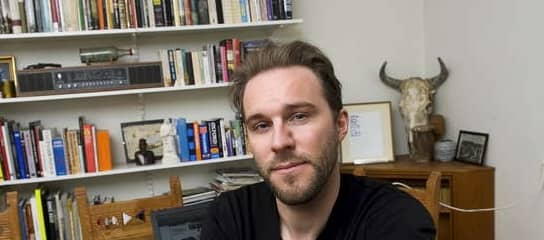KLASSFRÅGA. Andres Lokko har sina poänger – men är fel ute när han avfärdar kulturutövare på grund av deras klassbakgrund, skriver Johan Wirfält. Foto: Jonas Alströmer